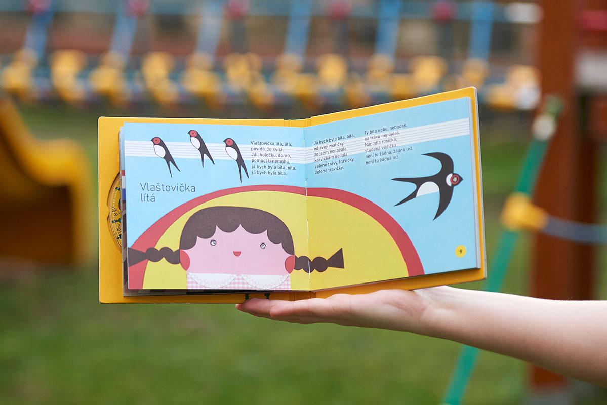Grafický návrh a sazba dětského zpěvníku Zpívejte s námi - Kühnův dětský sbor